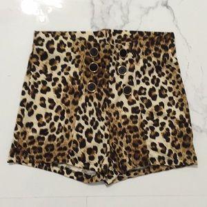 Leopard high waisted shorts